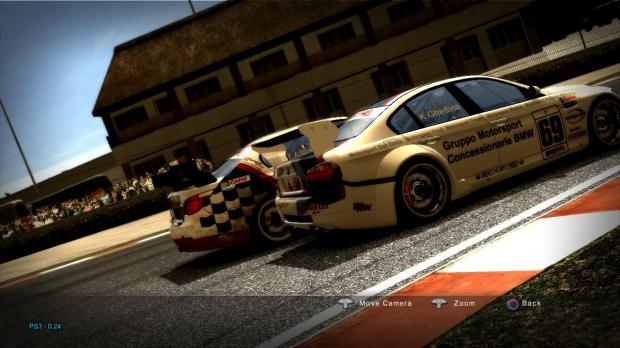 Superstars V8 Racing entre en piste