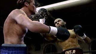Fight Night 2004 entre sur le ring