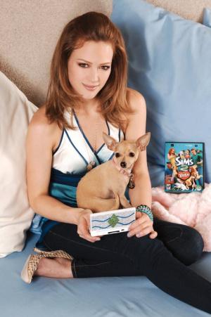 Hilary Duff dans Les Sims 2 : Animaux & Cie