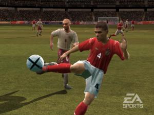 Euro 2004 attend le coup d'envoi