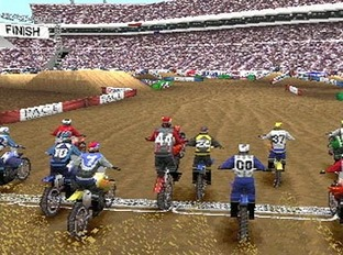 Test Supercross 2000 PlayStation - Screenshot 2