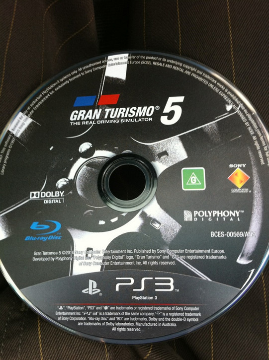 http://image.jeuxvideo.com/imd/g/gran_turismo_5_blu_ray.jpg