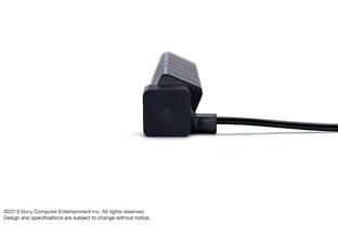 PS4 : Gros plan sur la manette et la caméra