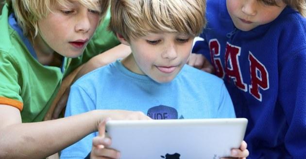 Jeux en ligne : 62% des jeunes jouent sur tablette