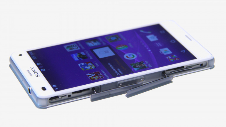 Sony Xperia Z3 Compact, nos impressions : Petit, mais costaud