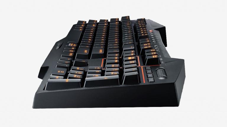 Test clavier STRIX Tactic Pro : Le retour gagnant du style orange mécanique ?