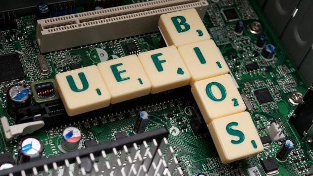 Au Clair de la Tech : 2001, L'odyssée de l'Itanium et l'avènement de l'UEFI