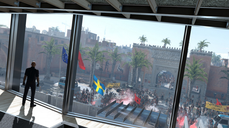 Agent 47 in front of the Swedish Consulate in Marrakesh.