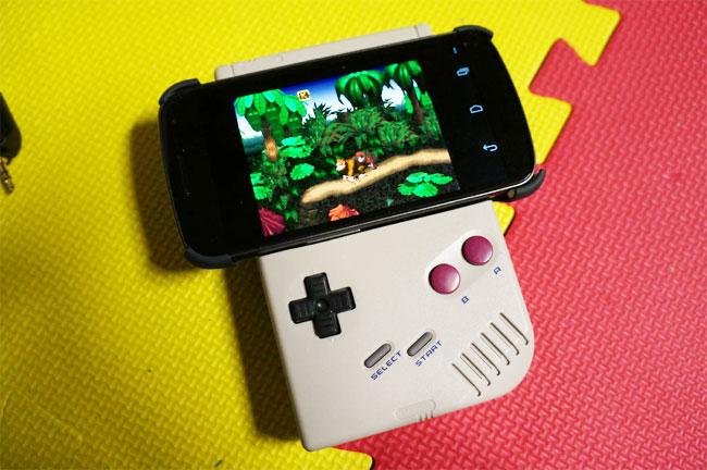 Nintendo réfléchit à des périphériques pour mobiles