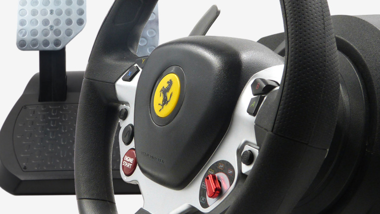 Test du volant Thrustmaster TX Racing Wheel Ferrari 458 Italia Edition : Le déséquilibre en force
