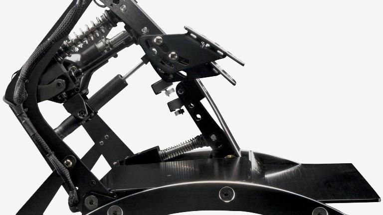 Fanatec présente l'impressionnant ClubSport Pedals V3 Inverted