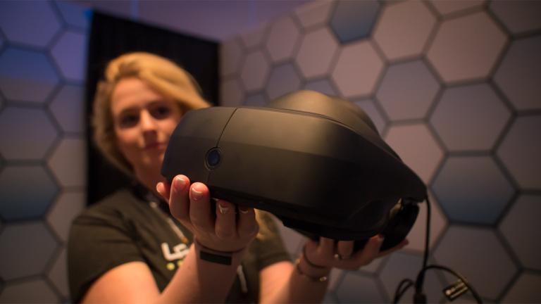 LG dévoile le prototype de son casque de réalité virtuelle optimisé pour SteamVR