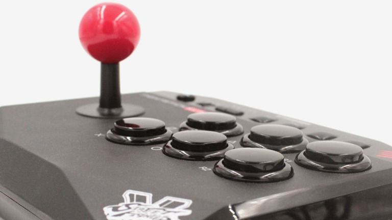 Test du Mad Catz Arcade FightStick Alpha : Joueurs exigeants s'abstenir