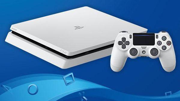 La PS4 Glacier White devient standard au Japon