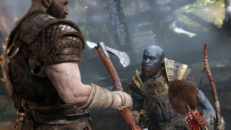 God of War : une figurine de Kratos, et une réplique de sa hache