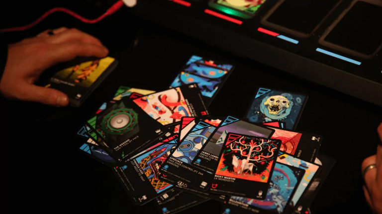 Dropmix : Music sounds better with you