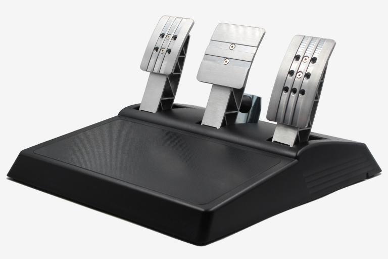 Test Thrustmaster T-GT : Quand le volant se fait ascenseur émotionnel ?