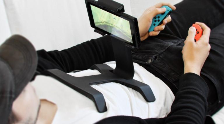 Switch : voici un pied pour jouer à la console en étant allongé