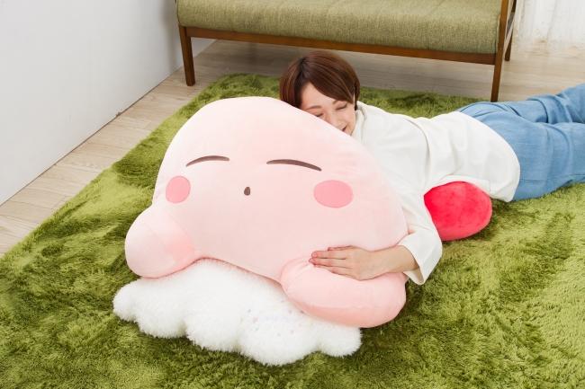 Kirby : un coussin géant tout rose arrive au Japon !