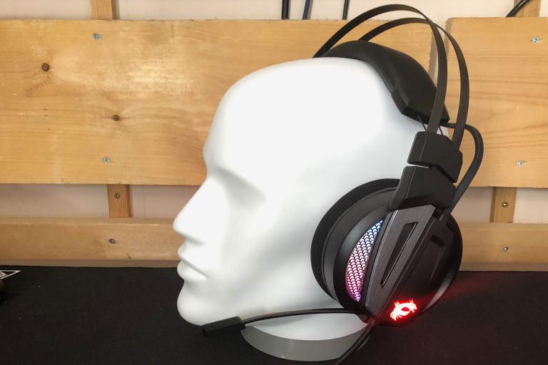 Test du casque MSI Immerse GH70 : La lampe d'ambiance qu'il vous faut ?