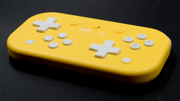 Test 8bitDo Lite Bluetooth : La manette extra plate pour Switch