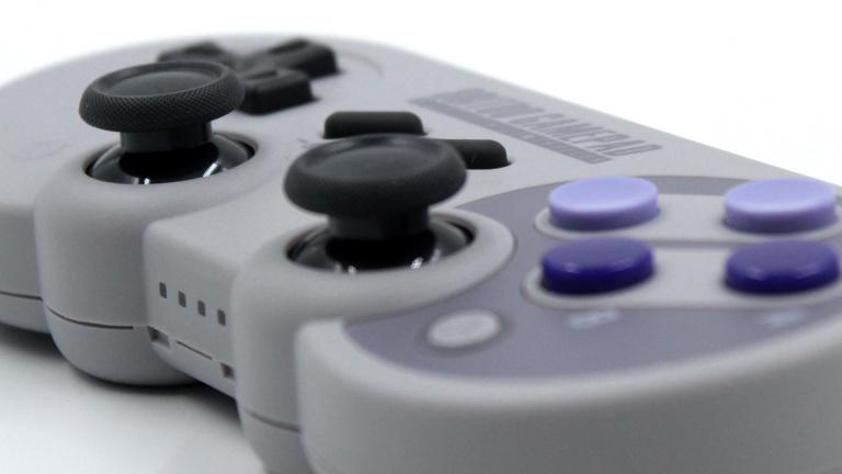 Nintendo Switch : Manette de jeu SN30 Pro G SNES Classic en promotion