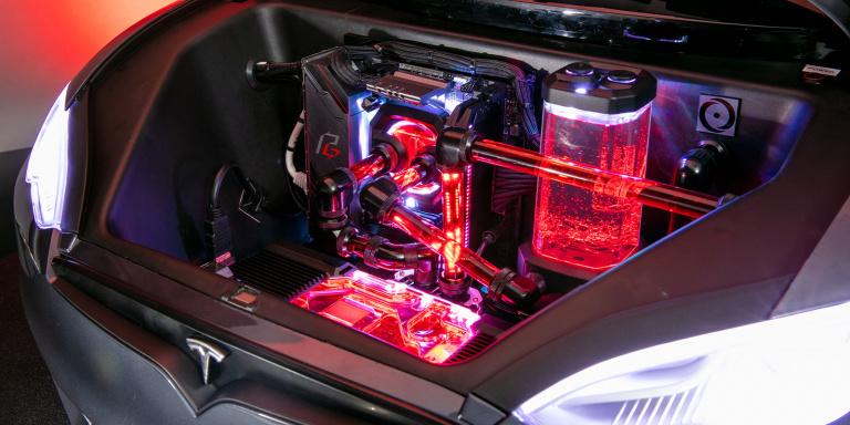 The Ludicrous PC : Origin PC installe une config gaming dans une voiturette pour enfant