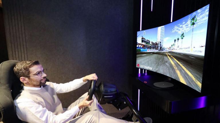 CES 2021 : un écran de jeu OLED incurvable à la demande chez LG