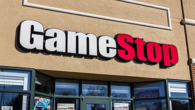GameStop Suspended, the Stock drops back below