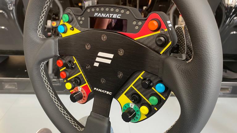 Fanatec : Le fabricant de volants PC, PS5 et Xbox Series prend la concurrence de vitesse