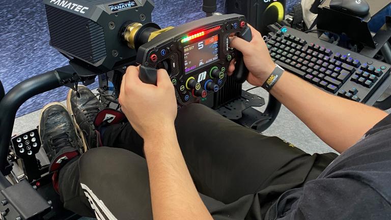 PS5, Xbox Series et PC : Ces nouveaux accessoires qui vont secouer vos jeux de course