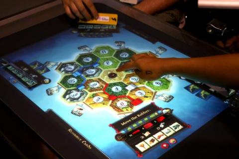 ePawn Arena : le plateau de jeu connecté lance son Kickstarter