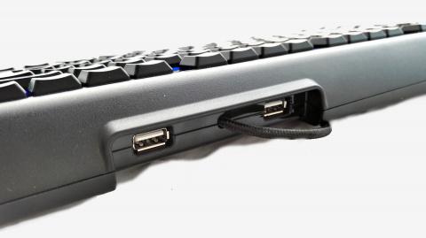Test SteelSeries Apex M800 : Un clavier qui marque sa différence (et qui le fait bien)