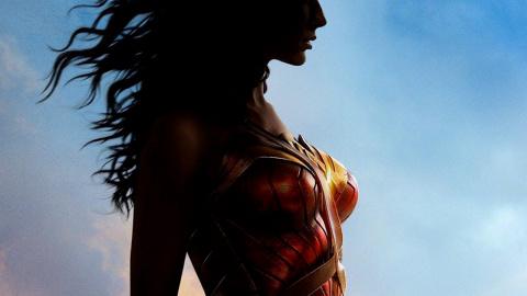 Jaquette de Wonder Woman : La fille de Zeus se révèle en vidéo