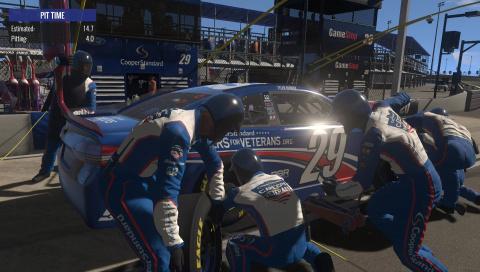 NASCAR Heat Evolution : Sortie de piste incontrôlée