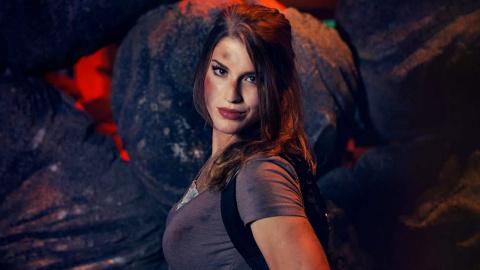 Jaquette de Lara Croft bat un record du monde à la PGW 2016