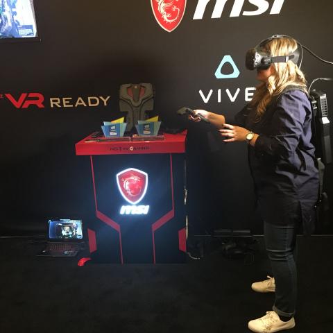 Nos impressions sur le MSI VR One : un PC de bureau qui se porte, pour une expérience VR sans fil