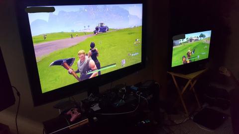 Le multjoueur PS4 vs Xbox One activé discrètement sur Fortnite, les preuves