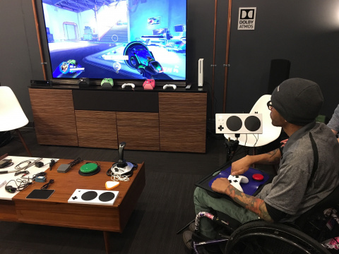 Microsoft officialise sa manette adaptative Xbox pour les personnes en situation de handicap