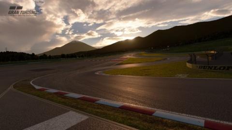 Gran Turismo Sport : neuf bolides et un nouveau circuit dans la mise à jour 1.28