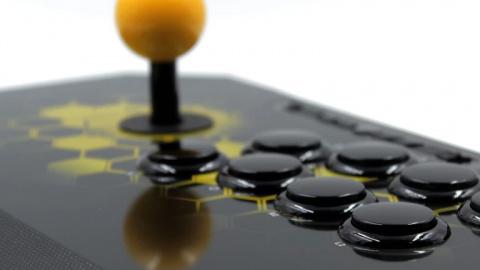 Mise à jour de notre dossier comparatif : Test du stick arcade Qanba Drone
