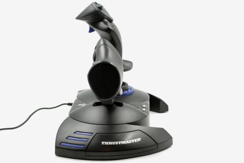 Test du Thrustmaster T. Flight Hotas 4 : Une bonne alternative à la manette.