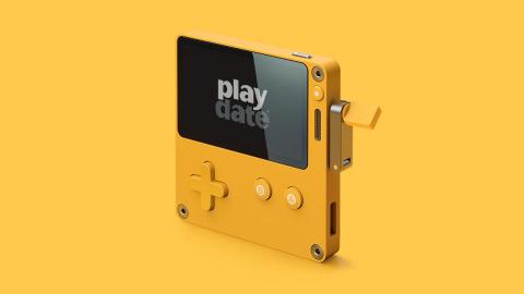 Panic présente la Playdate, une console portable à manivelle