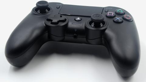 Test de la Nacon Manette Sans Fil Asymétrique : L'alternative à la DualShock 4  ?