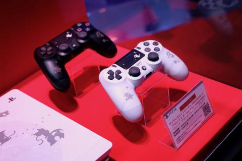 TGS 2019 : Des Playstation 4 à l'effigie des personnages de Persona exposées