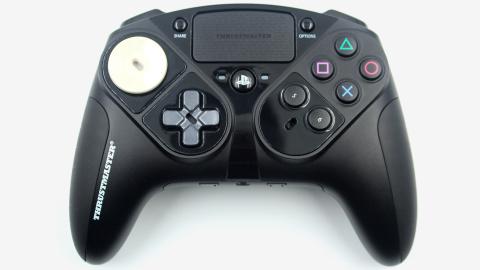 Thrustmaster annonce un contrôleur PS4 d'un nouveau genre