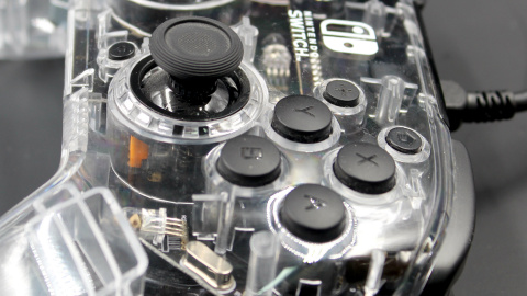 Test PDP Afterglow Deluxe : La manette Switch qui en met plein la vue