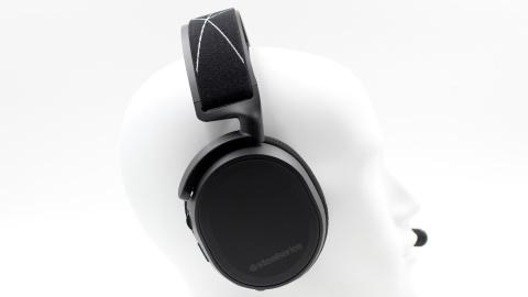 Test Steelseries Arctis 9 Wireless : Un casque sans-fil équilibré et multi-plateforme.