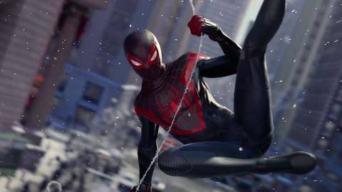 PS5 Showcase - Marvel's Spider-Man : Miles Morales - Combat sur un pont enneigé