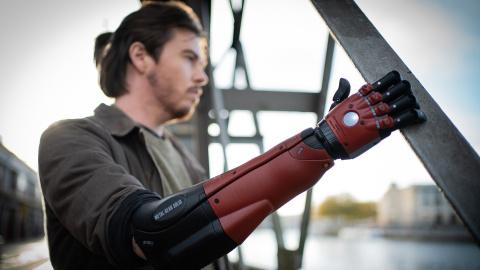 Konami et Open Bionics s'associent pour la création d'une prothèse Metal Gear Solid V